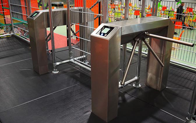 RFID Zutritt Indoor Trampoline Park Spielplatz Indoortainment Contigo Kasse Kassensystem